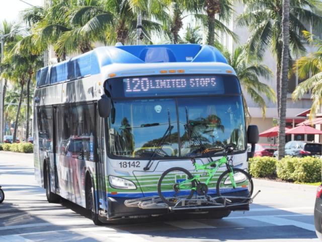 マイアミのバス
