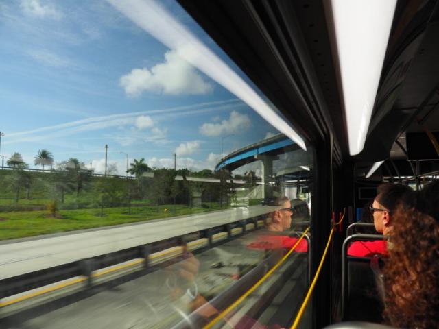 バス停車方法
