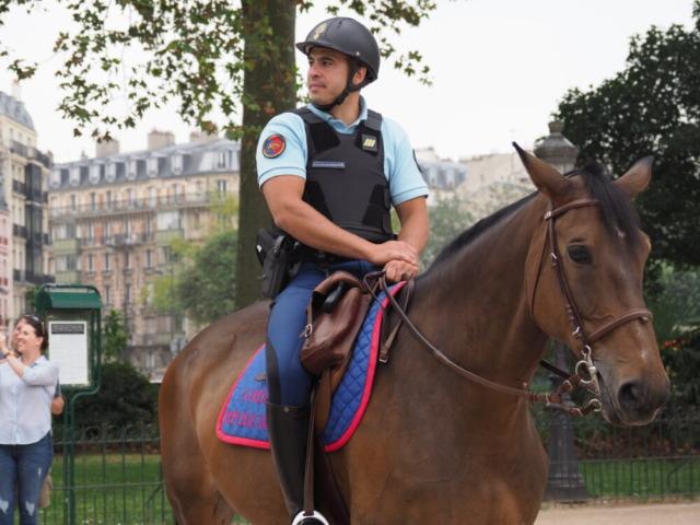 フランス パリ 乗馬