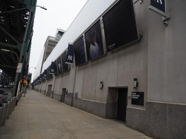 ヤンキースタジアム外壁